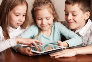 kids share a tablet